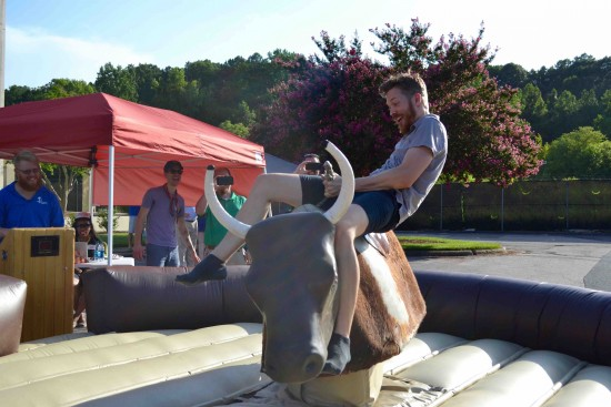 mechanical bull riding 4
